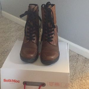 brand new brown boots from soft moc!